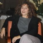 Una sorridente Valeria Golino durante l'incontro con la stampa locale